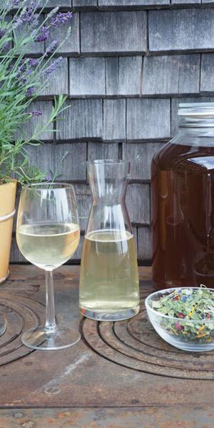 Selbstgemachte Limonade und Blütensalat sind nur zwei Beispiele für unsere vielfältige Speisekarte